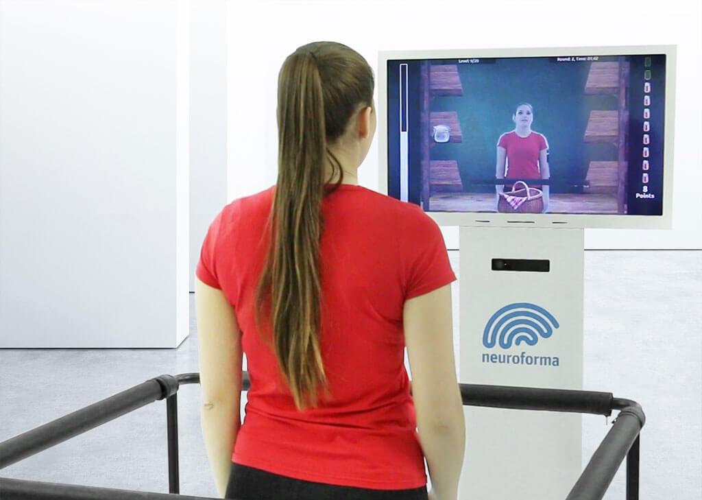Découvrez comment fonctionne Neuroforma PRO - un appareil de rééducation physique, cognitive et de contrôle de l'équilibre